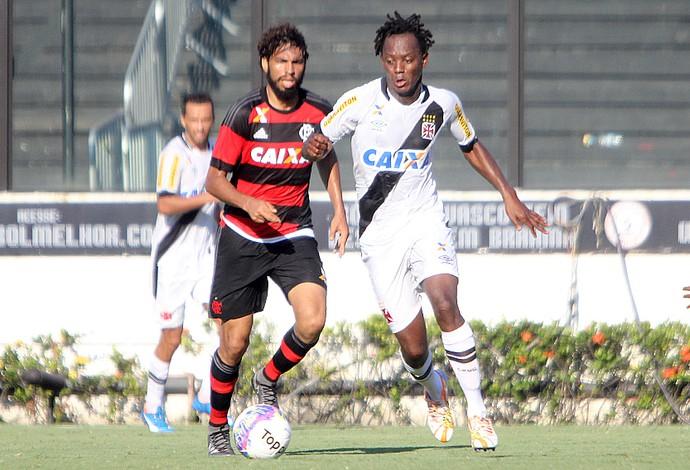 Andrezinho e Wallace - Vasco x Flamengo (Foto: Paulo Fernandes / vasco.com.br)