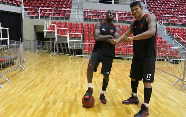 Basquete Flamengo Shilton e Kojo (Foto: Danielle Rocha)