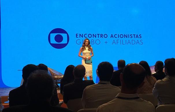 Ana Furtado apresenta o encontro de acionistas de afiliadas Globo (Foto: Arquivo pessoal)