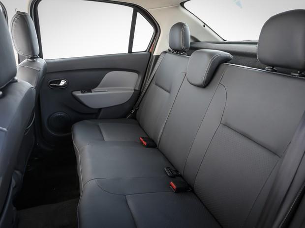 Espaço interno é ponto forte no Renault Logan (Foto: Divulgação)