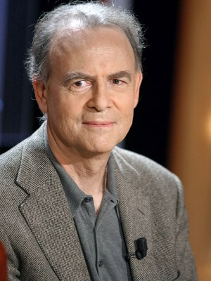 O escritor francês Patrick Modiano em foto de 2003 (Foto: AFP PHOTO/MARTIN BUREAU)
