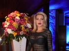 Dani Viera usa look transparente em festa recheada de famosos