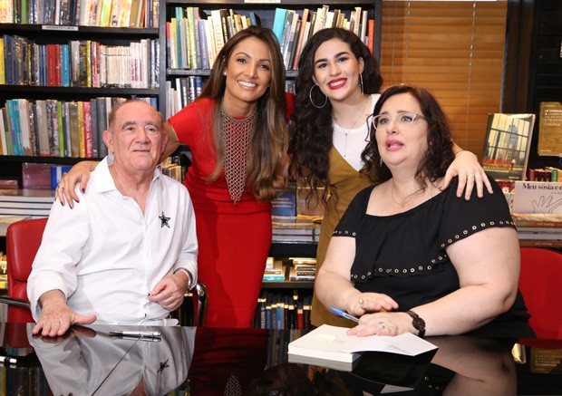 Renato Aragão, Patrícia Poeta, Lívian Aragão e Lílian Taranto (Foto: Anderson Borde/AgNews)