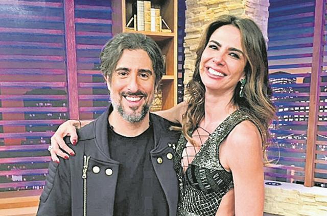 Luciana Gimenez grava com Marcos Mion para o 'Luciana by night', da RedeTV!.  (Foto: RedeTV!)