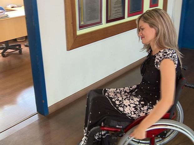 Vereadora Fernanda Garcia (PTB) é a primeira cadeirante eleita em Guaíba (Foto: Reprodução/RBS TV)