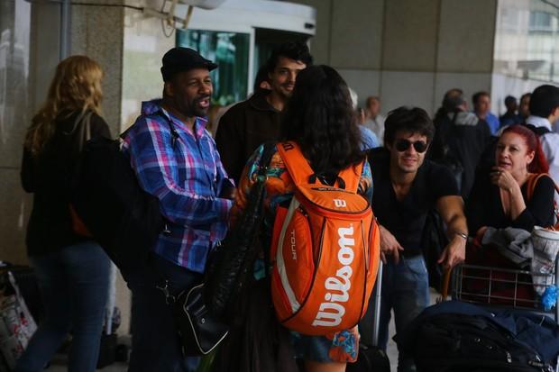 Ailton Graça e Erom Cordeiro no aeroporto Santos Dumont (Foto: Marcello Sá Barreto / AgNews)