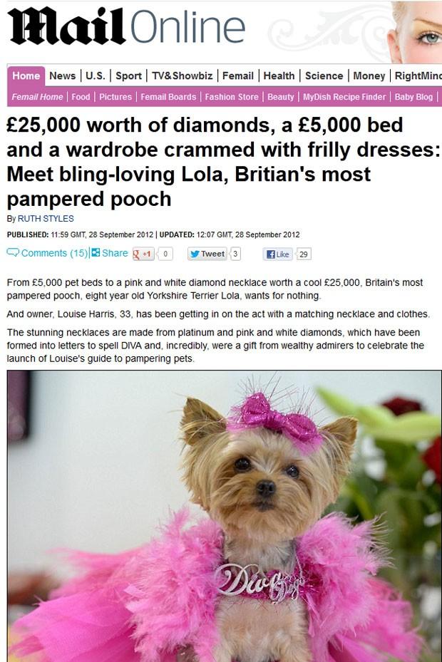 'Lola' ganhou um colar com diamantes de 25 mil libras. (Foto: Reprodução/Daily Mail)