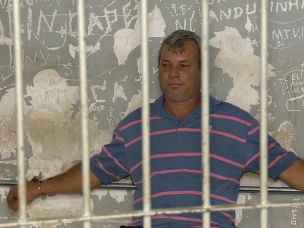 Mecânico foi preso por esfaquear a ex (Foto: Reprodução/ TV Gazeta)