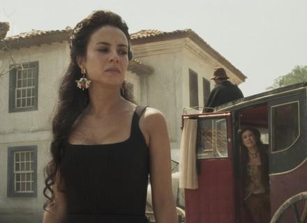 Virgínia leva Joaquina à casa de Tiradentes