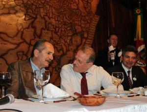 Aldo Rebelo e Tarso Genro (Foto: Diego Guichard / GLOBOESPORTE.COM)