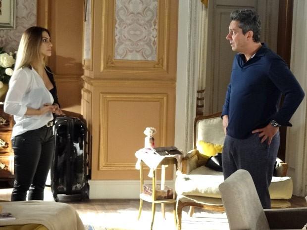 Sem dó nem piedade a gata termina e confessa sua paixão por Zyah (Foto: Salve Jorge/TV Globo)