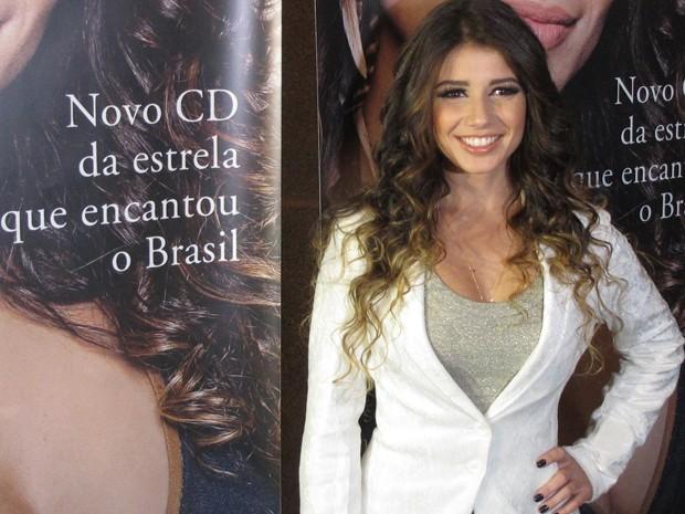 A cantora Paula Fernandes posa para fotógrafos em São Paulo no lançamento de seu disco nesta terça-feira (22) (Foto: Braulio Lorentz/G1)