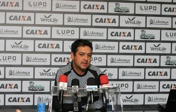 Com desfalques, Marquinhos despista sobre time titular para encarar o Galo