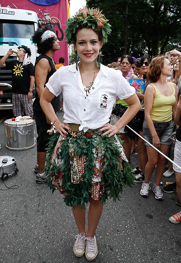 A atriz Leandra Leal também foi ao Bloco de Rua (Foto: Foto Rio News)