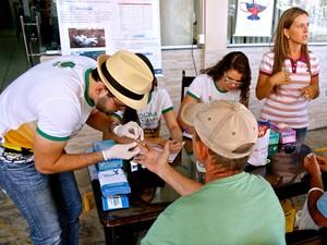 Alunos do curso de medicina de Caicó em aula de campo (Foto: Cícero Oliveira/G1)