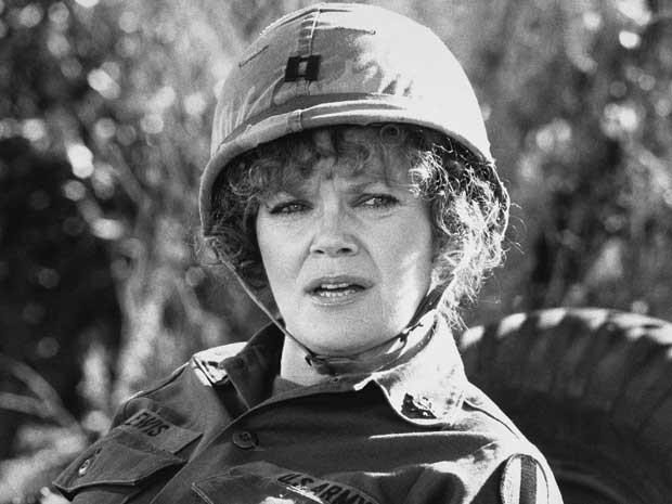 A atriz Eileen Brennan, no papel da capitão Doreen Lewis, em 'O recruta Benjamin'. (Foto: Arquivo / Warner Brothers Pictures / AP Photo)
