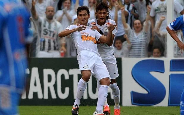 Neymar e Ganso comemoram gol do Santos (Foto: Ricardo Saibun / Divulgação Santos FC)