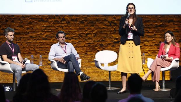 Rogerio Oliveira, da Yunus Social Business Brasil, Francisco Jardim, da SP Ventures, Maure Pessanha, da Artemisia, e Andrea Matsui, da Ambev (Foto: Ricardo Cardoso)