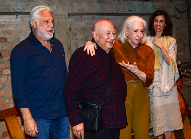 Antônio Fagundes, Sérgio Mamberti, Fernanda Montenegro e Fernanda Torres (Foto: Eduardo Martins/AgNews)