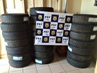 PRF apreende pneus contrabandeados (Divulgação/PF-AC)