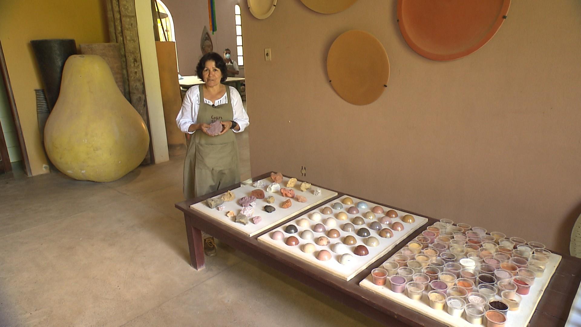 A artista plástica Selma Calheira: cerâmica de Ibirataia parta o mundo (Foto: Divulgação)
