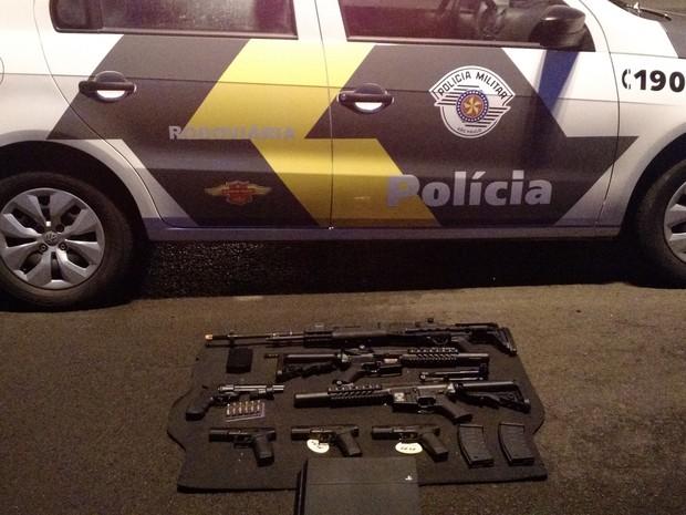 As armas são de pressão e utilizadas em jogos (Foto: Divulgação / Polícia Militar)