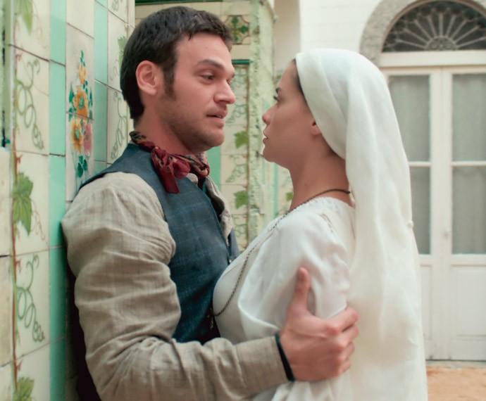 Pedro morre de ciúmes de Lívia, a melhor amiga de sua irmã (Foto: TV Globo)