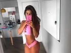 Thaís Bianca exibe o corpo perfeito em foto só de biquíni
