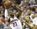 LeBron James destrói no último quarto e garante vitória sobre o Utah Jazz