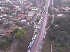 Caminhoneiros manifestam em MG e interrompem tráfego em rodovias