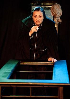 Espetáculo marca a estreia de Cácia em monólogos (Foto: Cacá Bernardes)