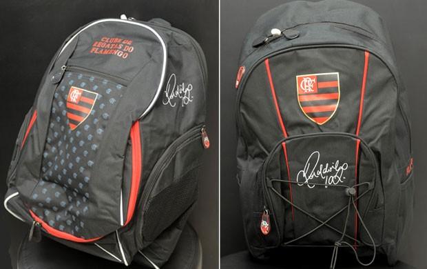 mochila flamengo Ronaldinho (Foto: Assessoria de Imprensa do Flamengo)