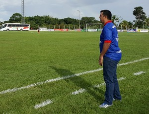 Kiko, técnico do Vilhena (Foto: Marco Bernardi)