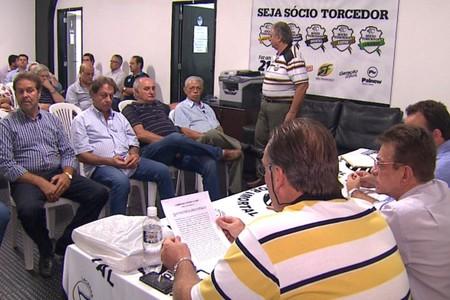 Nelson Lacerda é aclamado presidente do Comercial (Foto: César Tadeu / EPTV)