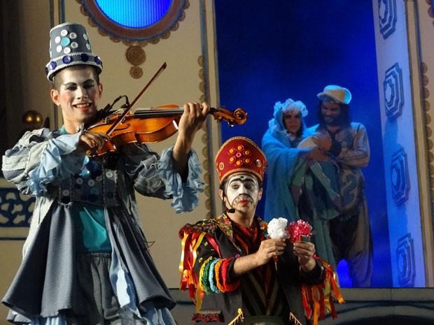 Espetáculo une música e teatro para contar o nascimento de Jesus. (Foto: Luna Markman / G1 PE)