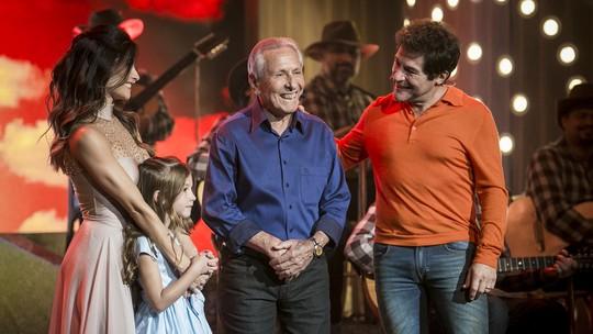 Daniel se emociona ao assistir pai cantando em roda de viola no 'Tamanho Família'