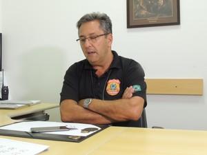 Delegado da PF acompanha a situação (Foto: Felipe Truda/G1)