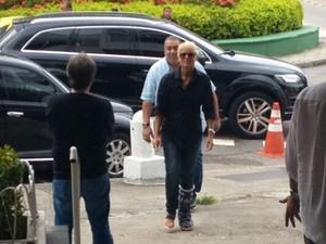 Xuxa chegou ao velório por volta de 15h (Foto: Cristiane Cardoso/G1)