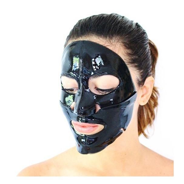 Máscara de carvão (Foto: Reprodução Instagram @spa_luxe)