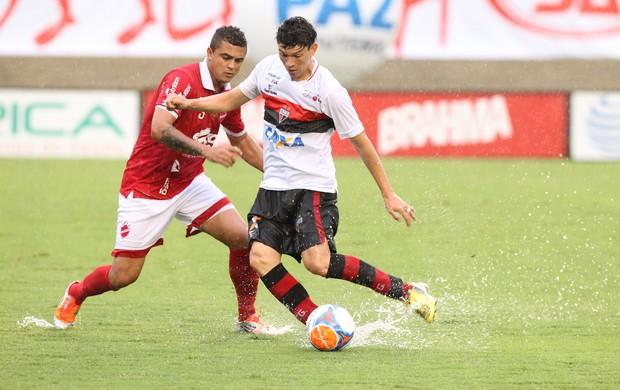 Vila Nova x Atlético-GO no Serra Dourada (Foto: Diomício Gomes/O Popular)