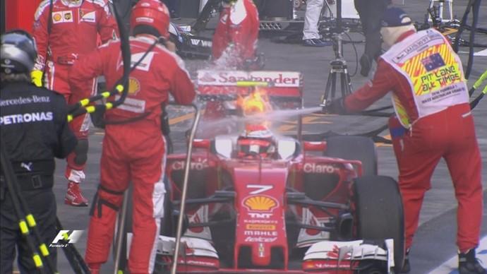 Ferrari de Kimi Raikkonen teve princípio de incêndio no GP da Austrália (Foto: Divulgação)