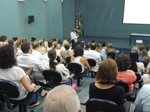 Palestra em Jundiaí (SP) foi acompanhada por aproximadamente 130 pessoas (Foto: Divulgação)