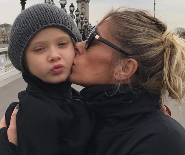 Adriane Galisteu e o filho, Vittorio (Foto: Reprodução/Instagram)