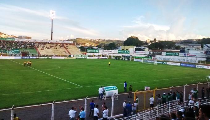Estádio Ronaldão, em Poços de Caldas (MG) (Foto: Filipe Martins)
