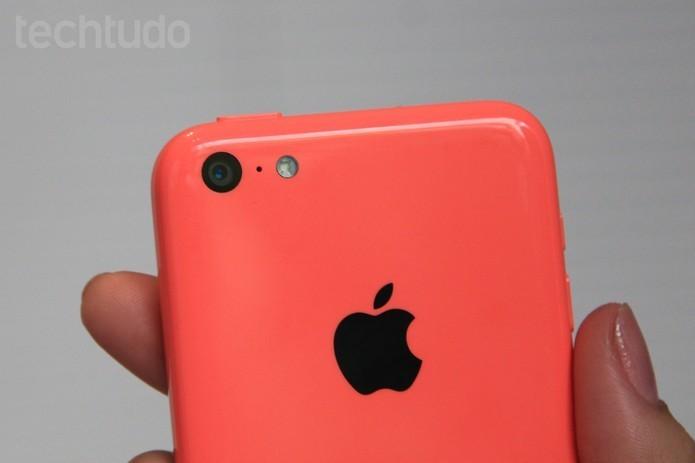 iPhone 5C pode ser descontinuado pela Apple após lançamento de novos modelos em setembro (Foto: Isadora Díaz/TechTudo)