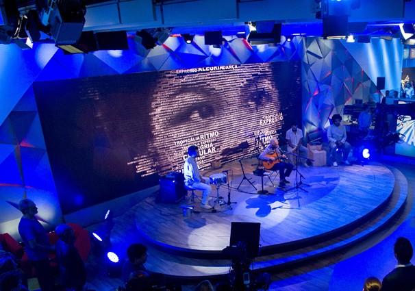 Com 500 metros quadrados, o novo cenário do Fantástico pode receber shows, como o de Gilberto Gil (Foto: Globo)