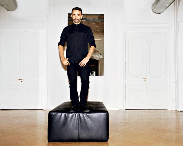 Depois de 12 anos, Riccardo Tisci deixa a direção criativa da Givenchy (Foto: Divulgação)