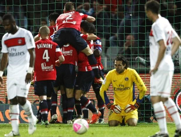 Lille comemora gol contra o Paris Saint-Germain (Foto: AP)