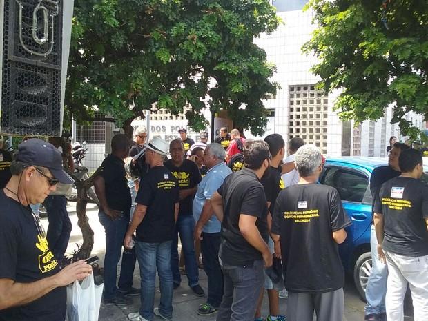 Resultado de imagem para policiais civis de pernambuco