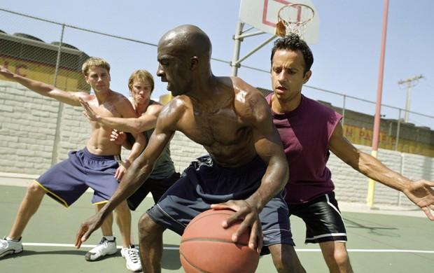 Jogando basquete euatleta (Foto: Getty Images)